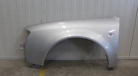 Spatbord linksvoor Audi A6 REFLEXSILVER (LA7W)
